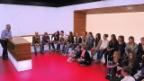 Video «Aarauer Schüler interviewen Reto Lipp im «ECO»-Studio» abspielen