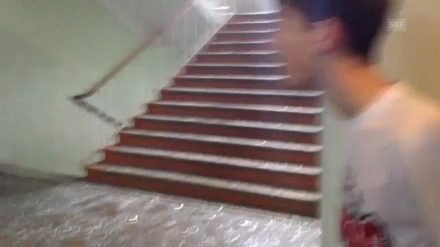 Panik in einer Schule (unkommentiert, Youtube)