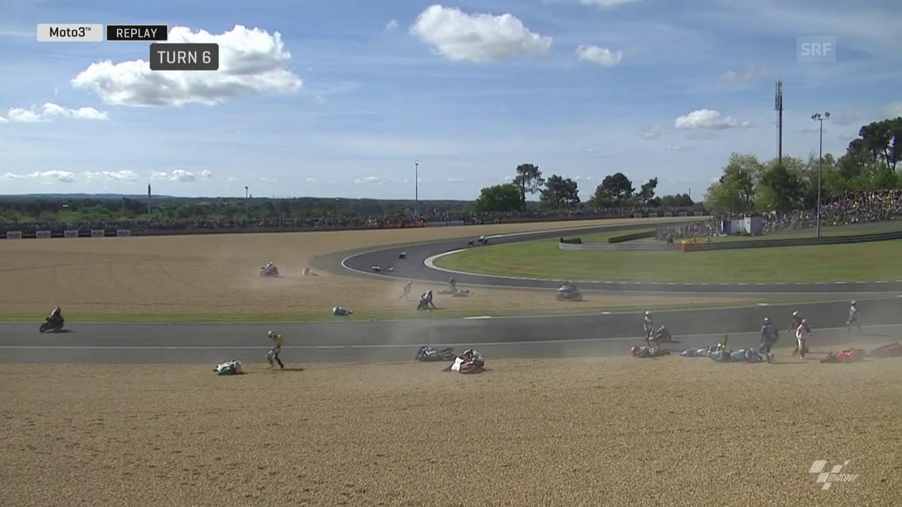 Unglaublicher Massencrash wegen Ölspur im Moto3-Rennen