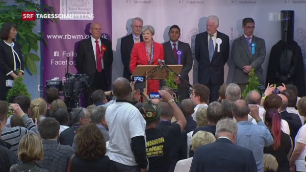 Video «Wahl-Schlappe für Theresa May» abspielen