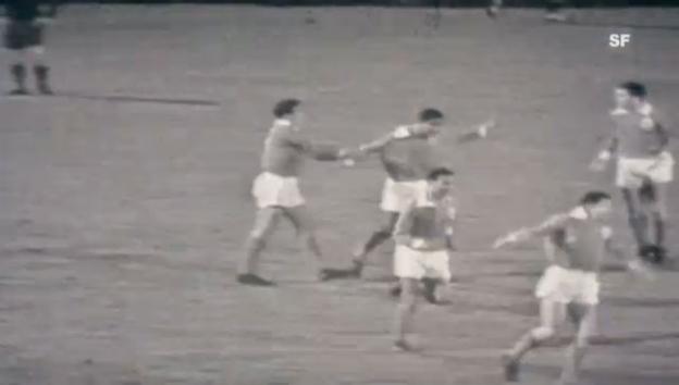 Video «1962: Benfica - Real 5:3 in Amsterdam» abspielen