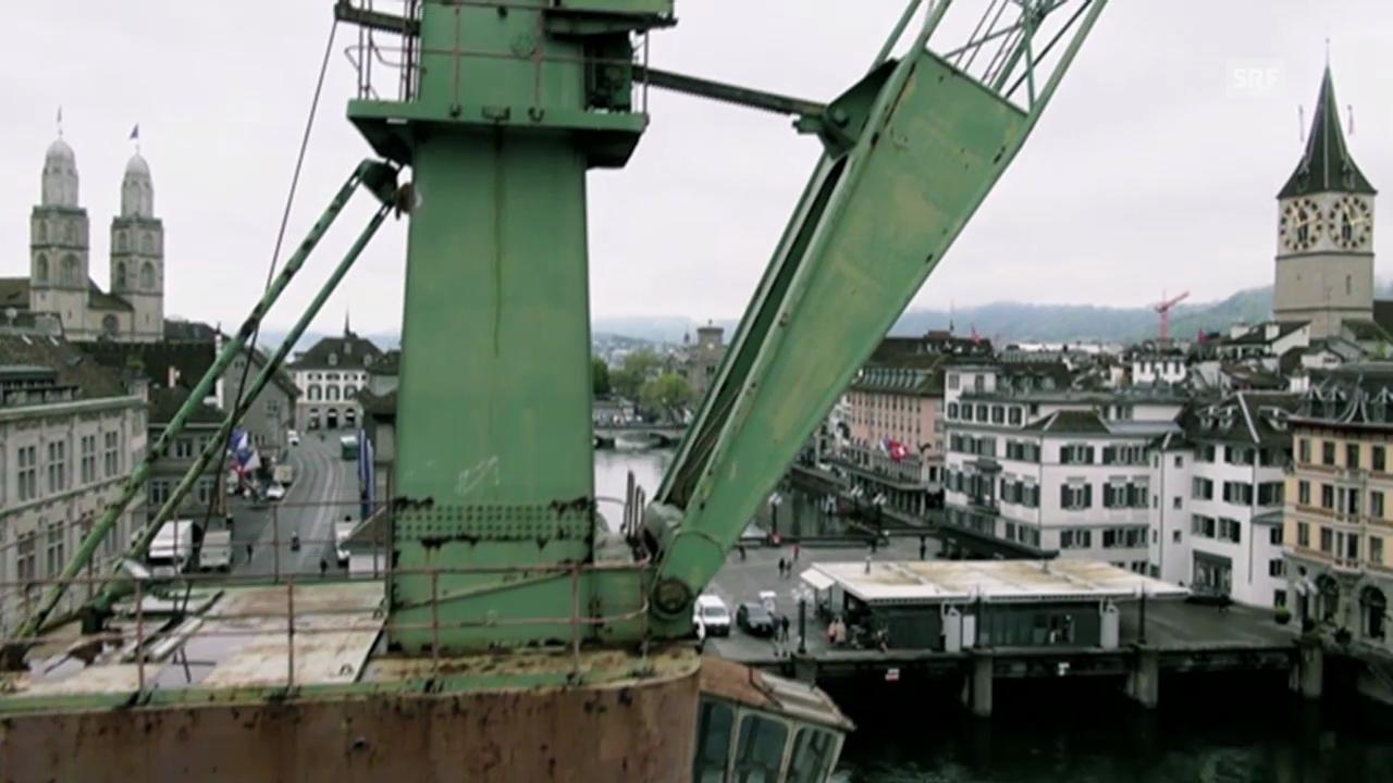 Der Hafenkran aus der Luft und aus Sicht unserer User