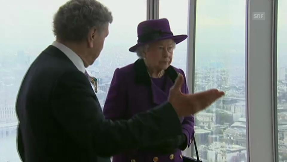 Queen Elizabeth in luftiger Höhe