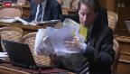 Video «Papierstreit im Bundeshaus» abspielen