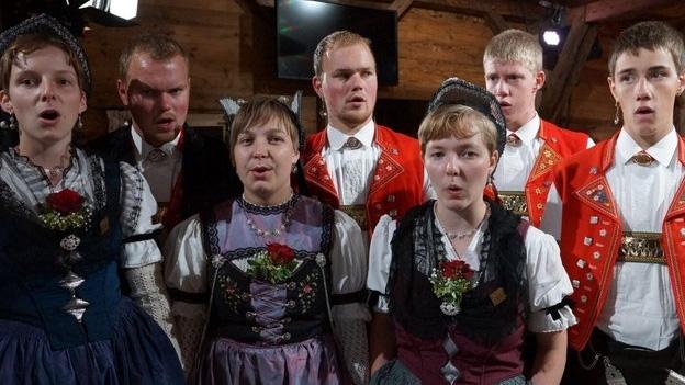 Landjugendchörli Säntis mit «Of em Berg»