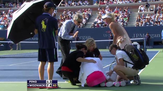 Video «Tennis: US Open, Shuai Peng bricht zusammen» abspielen