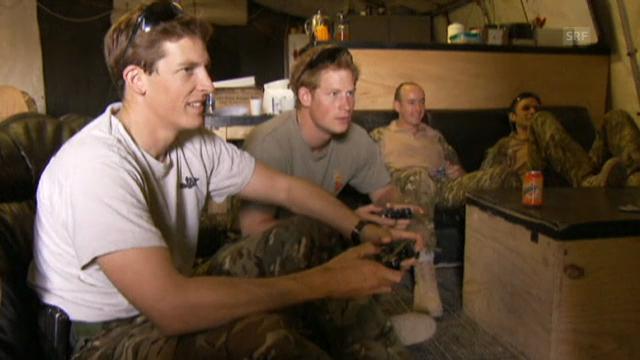 Prinz Harry beim Spielen von Videogames