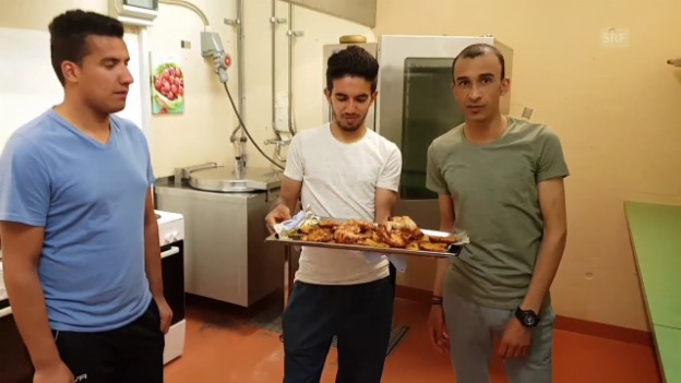 Video «Essen in der Asylunterkunft» abspielen