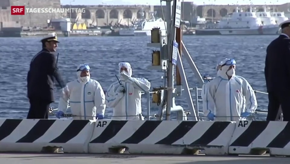 Boot mit 700 Flüchtlingen gekentert