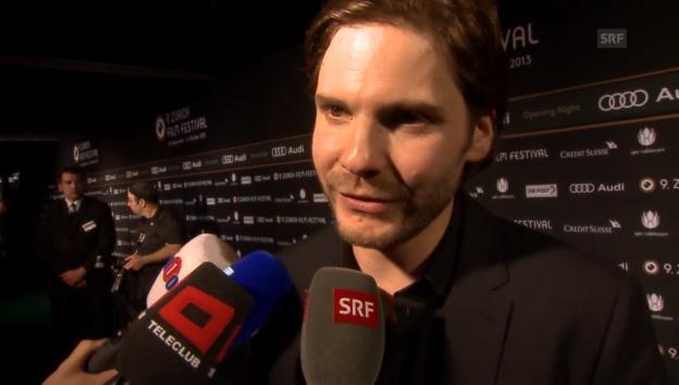 Video «Deutsche Schauspieler schwärmen von Zürich» abspielen