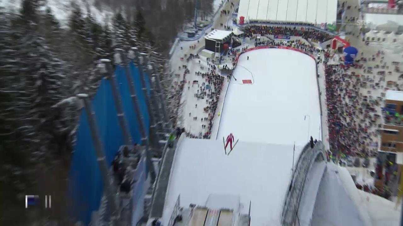 Simon Ammann landet nach seinem 1. Sprung an der Skiflug-WM bei 208,5 Metern