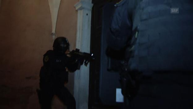 Video «Italienische Polizei fasst Terroristen dank Abhörung» abspielen