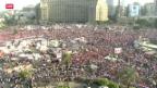 Video «Ägyptens Militär auf den Strassen Kairos» abspielen
