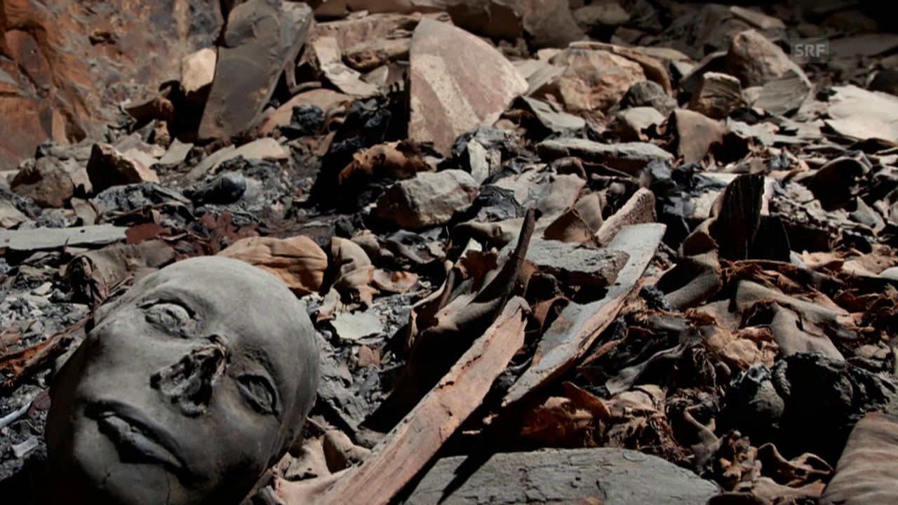 Zerstörung im Grab