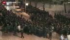 Video «Polizei rückt auf Unabhängigkeitsplatz vor» abspielen