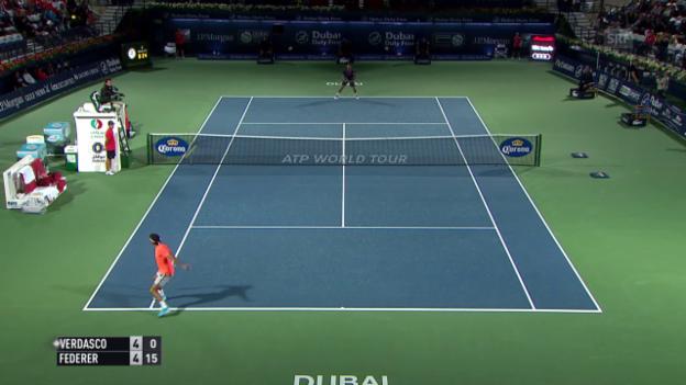 Video «Tennis: ATP Dubai, Achtelfinal, Live-Highlights Federer - Verdasco» abspielen