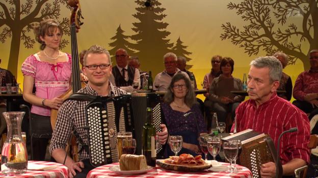 Video «Stubete: Volksmusik mit Nicolas Senn» abspielen