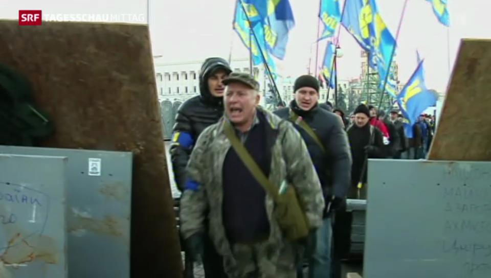 Regierung in Ukraine bleibt im Amt