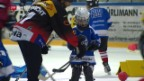Video «Kinder haben Spass am Swiss Ice Hockey Day» abspielen