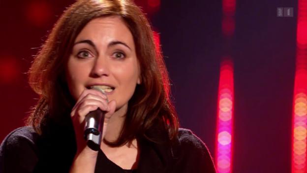 Video «Jessica Maurer singt sich mit ihrer Eigenkomposition «Du bisch hie» zum Golden Buzzer» abspielen