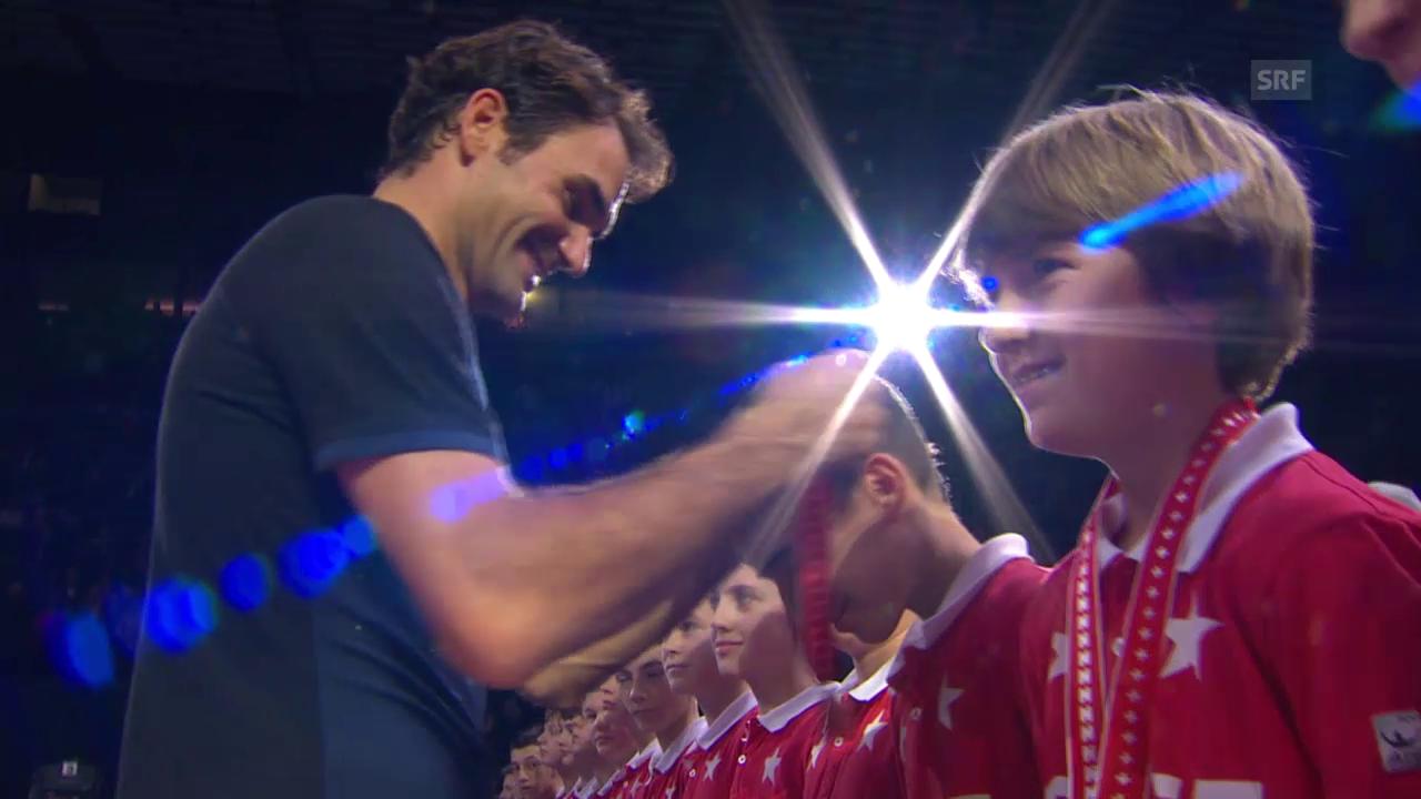 Tennis: Swiss Indoors, Federer und Nadal beschenken Ballkinder