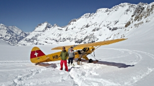 Video ««Wunderland»: Gletscherflug im Lötschental, Wallis» abspielen