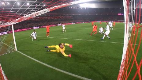 Link öffnet eine Lightbox. Video Niederlande feiern einen verdienten Sieg über Frankreich abspielen