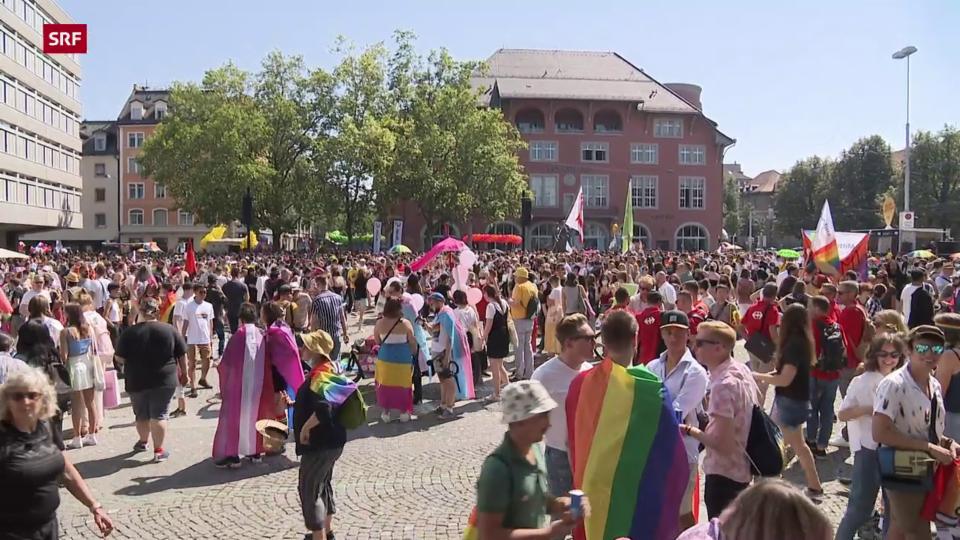 Zehntausende an der Pride in Zürich
