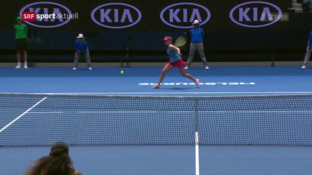 Video «Bencic bietet Serena Williams nur phasenweise Paroli» abspielen