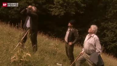 Video «Nachgestellte Szenen vom Elmer-Felssturz - Teil 1» abspielen