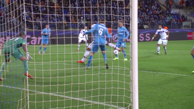 Video «Fussball: CL, Tor Lacazette Zenit - Lyon» abspielen