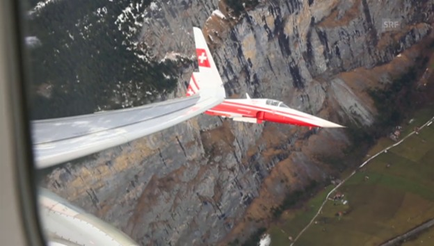 Video «Eskorte für den Swiss-Airbus» abspielen