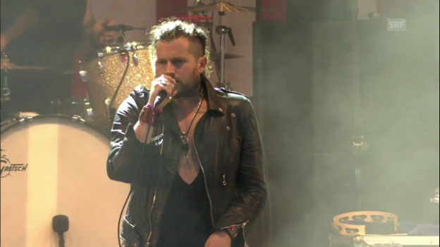 Video «Rival Sons - «Keep On Swinging» Heitere Open Air» abspielen