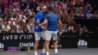 Video Federer/Djokovic verlieren im Doppel abspielen.