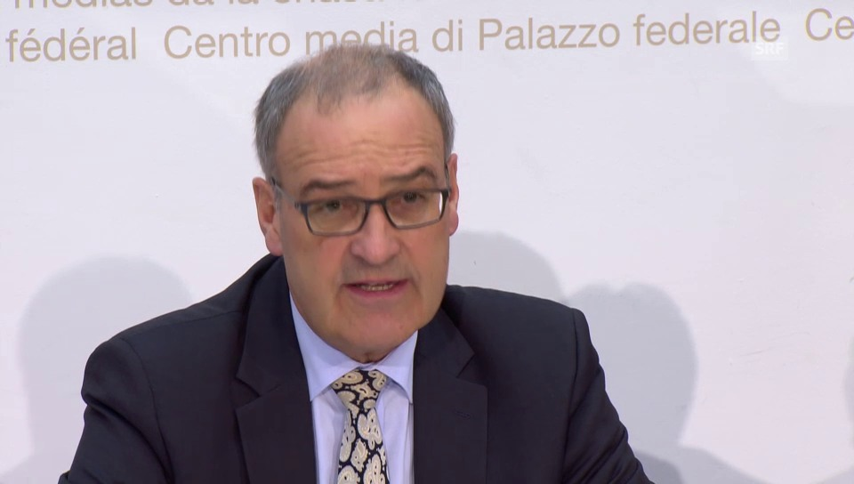Parmelin erklärt die verlängerte Nutzungsdauer der F/A-18 (französisch)
