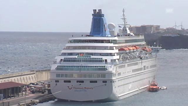 Das Kreuzfahrtschiff im Hafen von Santa Cruz de La Palma (unkomm.)