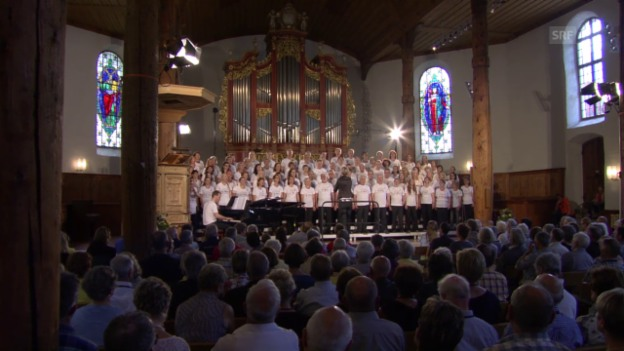 Video «Der Puls-Chor am 13.06.2015 in der Michaelskirche Meiringen» abspielen