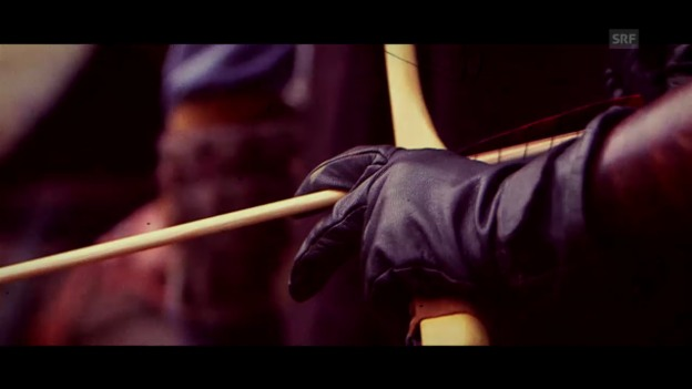 Video «Spannen – und los! Ein mittelalterlicher Pfeilhagel» abspielen