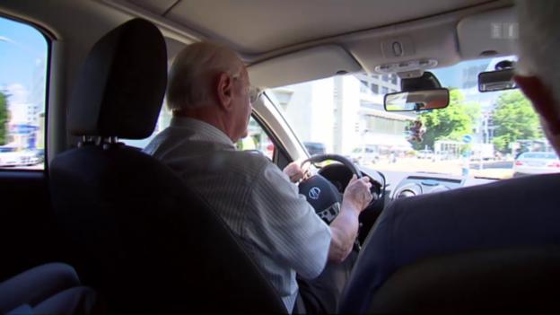Video «Fahrtest erst ab 75: Wie gefährlich sind Senioren am Steuer?» abspielen