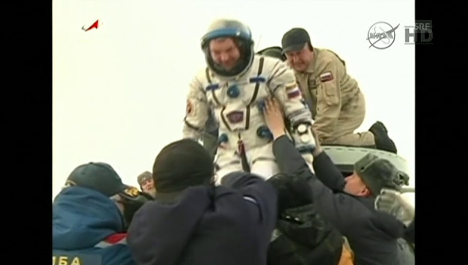 Astronauten-Landung in Kasachstan (englisch kommentiert)