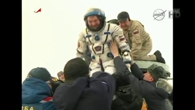 Video «Astronauten-Landung in Kasachstan (englisch kommentiert)» abspielen