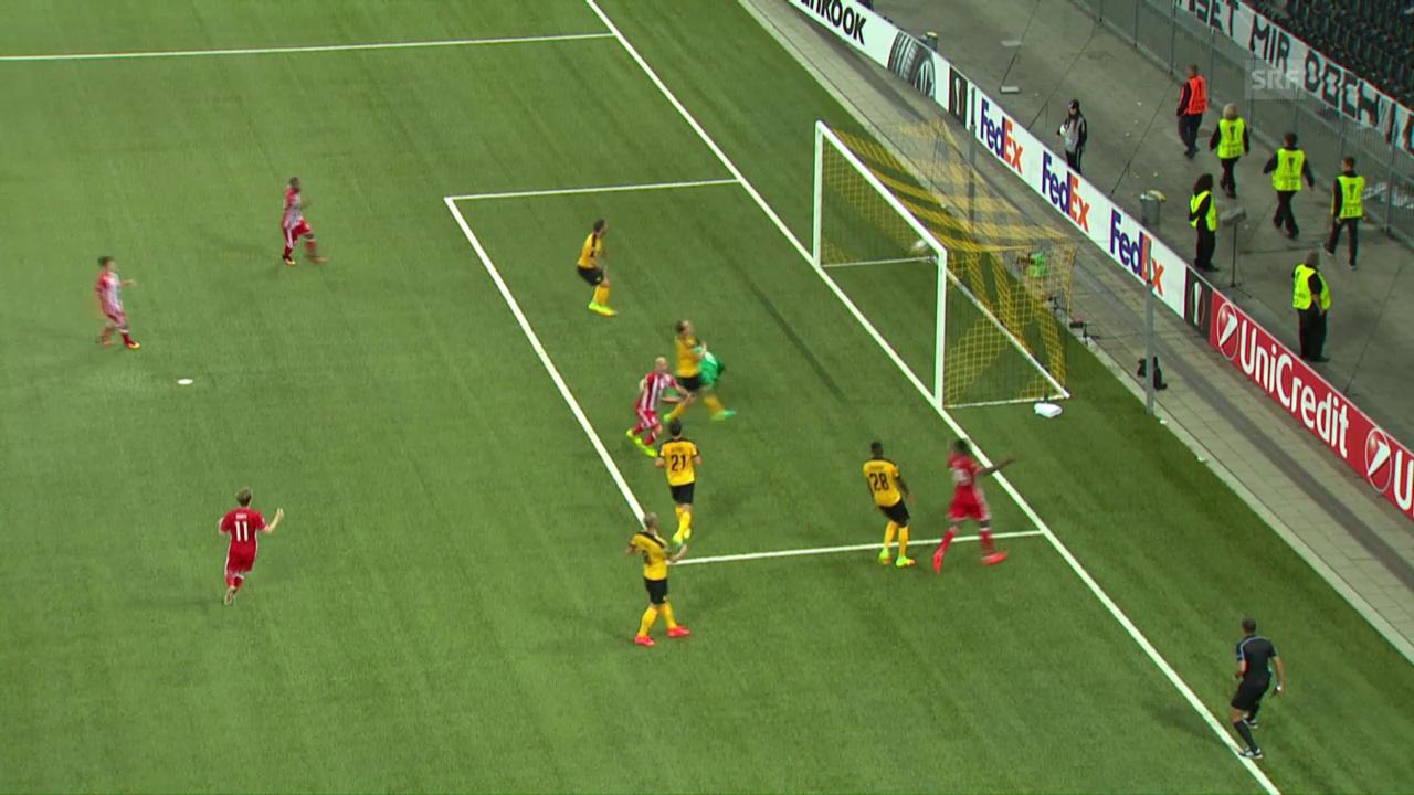 Cambiasso schiesst das 1:0 für Olympiakos gegen YB