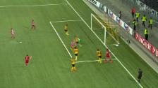 Video «Cambiasso schiesst das 1:0 für Olympiakos gegen YB» abspielen