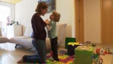 Link öffnet eine Lightbox. Video Mehr Sicherheit im Umgang mit Epilepsie abspielen