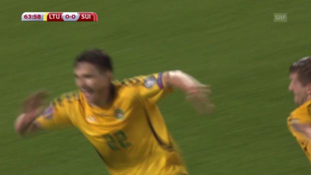 Video «Fussball: Euro-Qualifikation 2016, Litauen - Schweiz, 1:0 durch Cernych» abspielen