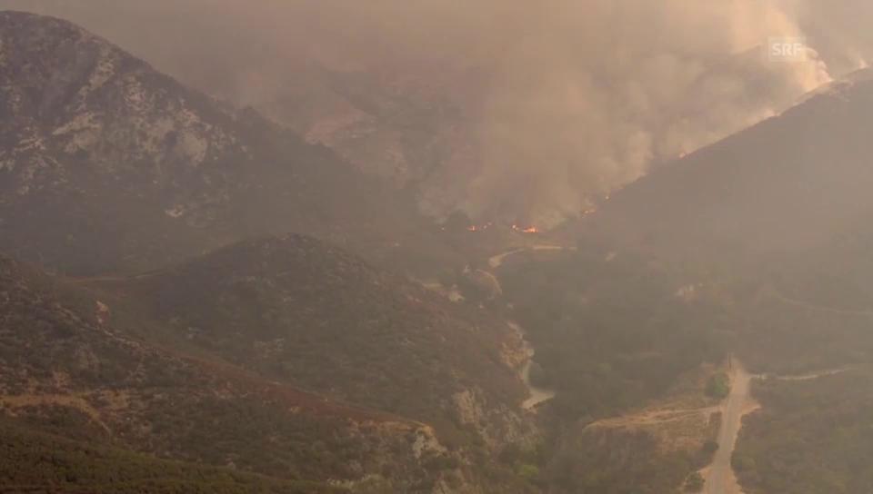 Waldbrände nahe Los Angeles (unkommentiert)