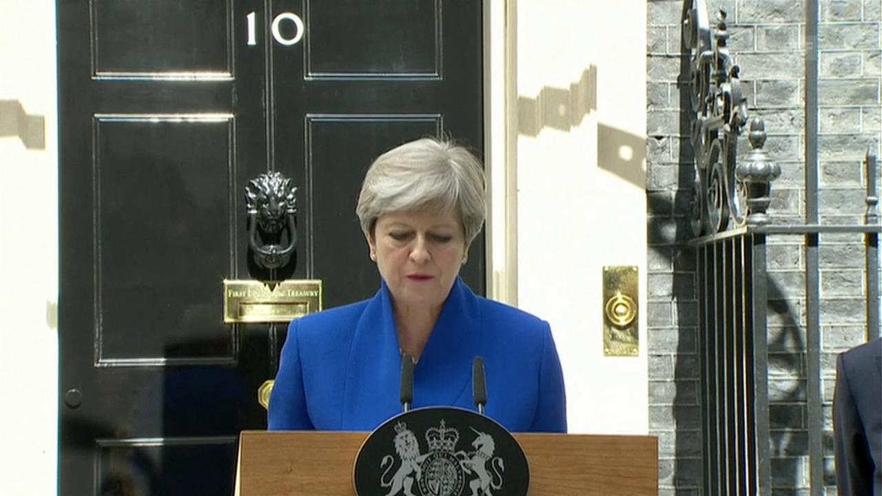 Theresa May will mit DUC Regierung bilden