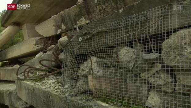 Video «Die Rettungskette - Rettung im Trümmerdorf» abspielen