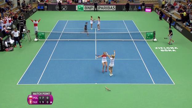 Video «Tennis: Fed Cup Polen-Schweiz, Doppel» abspielen