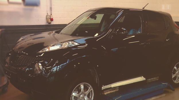 Video «Brandneues Auto defekt: Garage lässt Kunden hängen» abspielen